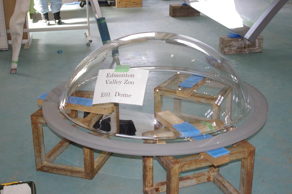 1234985564_acrylic dome