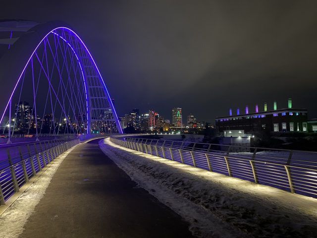 Quiet, comforting NYE light show in Edmonton caps tumultuous year in 2020