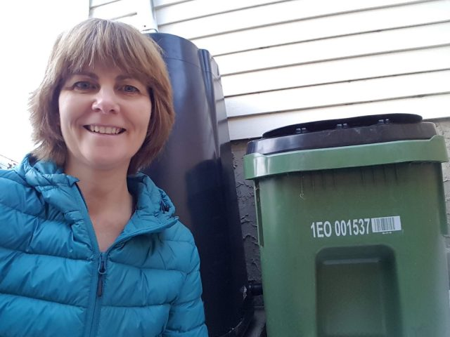 Waste carts set to roll out in Edmonton. Some throwaway tips from a pro