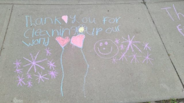 Edmontonians say thank you to City waste collectors